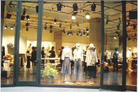 HUMAN WOMANプライベートショー内装工事展示会・イベントブース