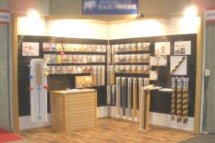 店舗・展示会で使える壁面パネル什器
