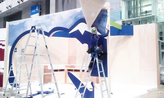 展示会の木工ブースの施工7:壁材仕上げ